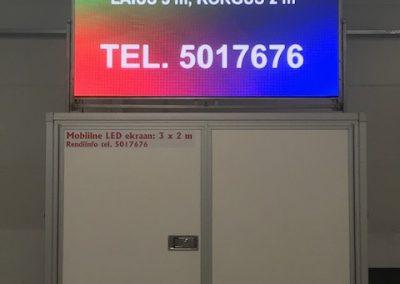 LED Ekraan haagisel